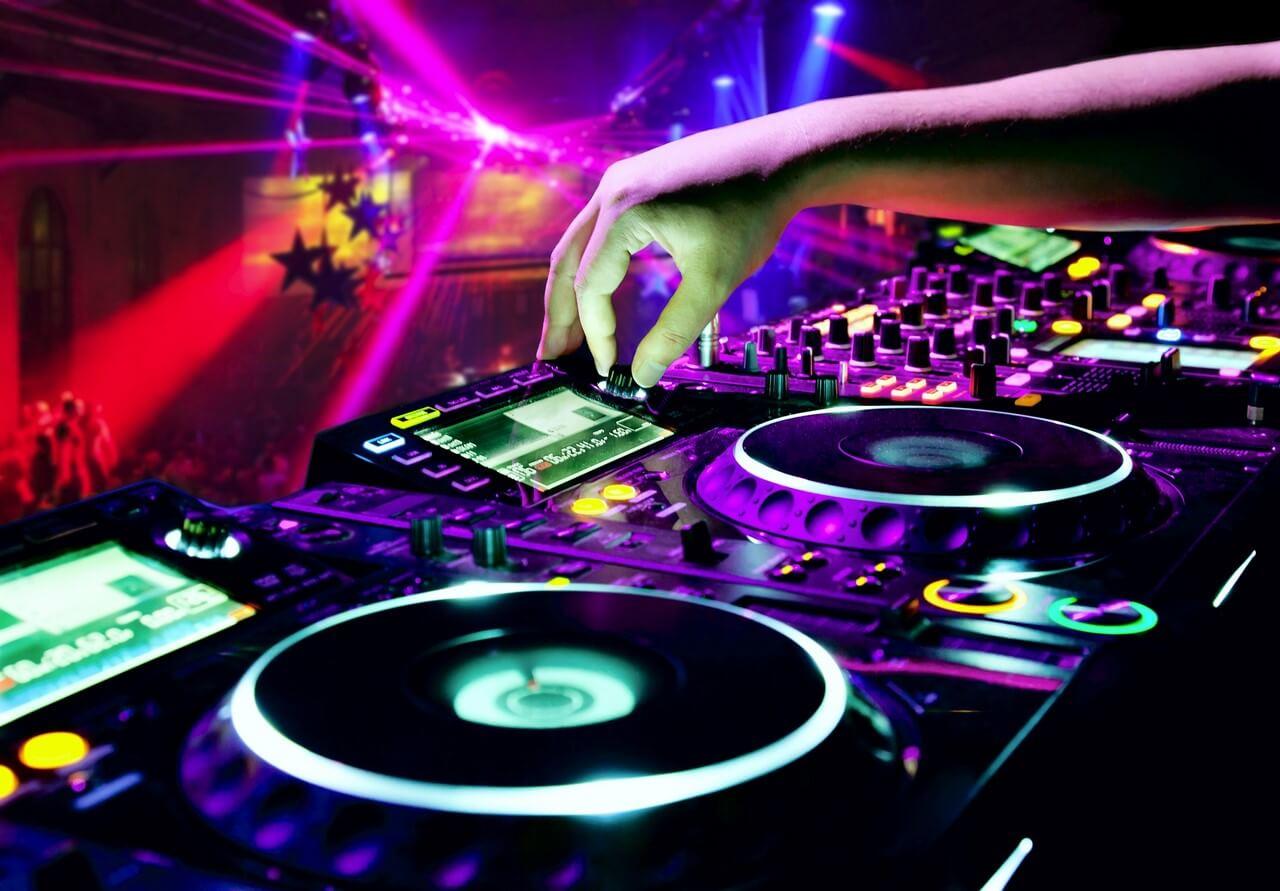 bigstock-Dj-Mixes-The-Track-53675395 (1) (1)