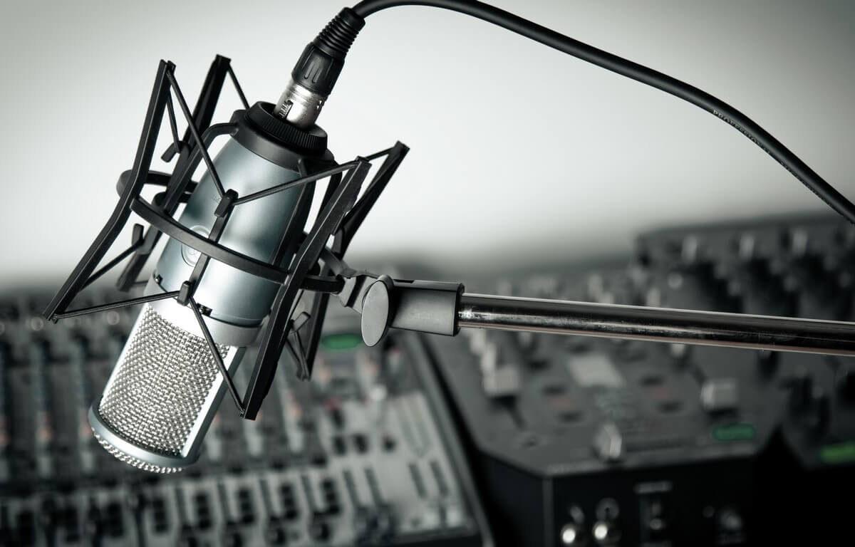 bigstock-Radio--115882814